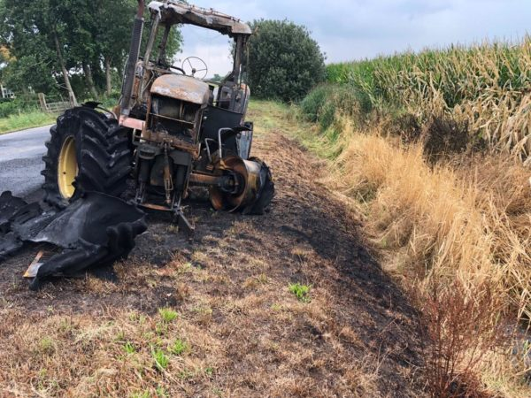 Calamiteit tractorbrand te Readtsjerk